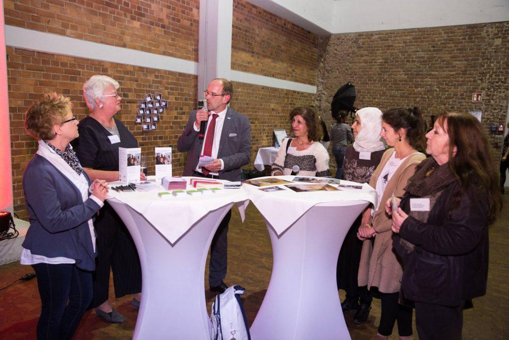 NRW DAS MACHEN WIR Betriebliches Mentoring für qualifizierte geflüchtete Frauen, Dortmunder Forum Frau und Wirtschaft e.V.